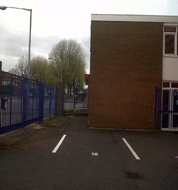 Office space in Kingsbury Trading Estate, 627 Kingsbury Road
